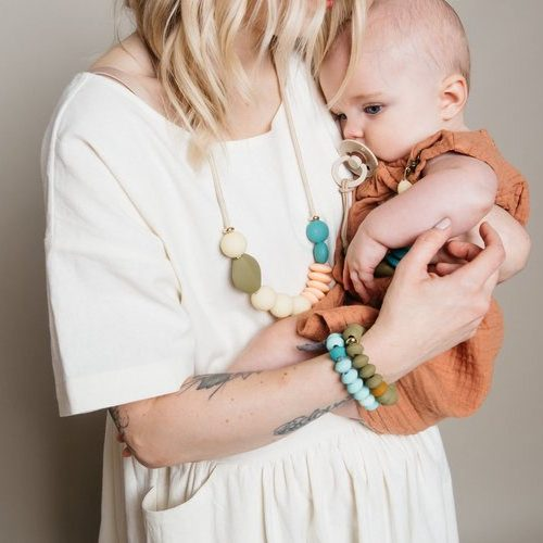 Dewdrop Signature Teething Necklace Color Story3 e1594916171684