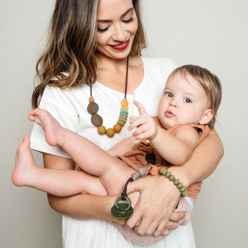 Saddle Signature Teething Necklace Color Story