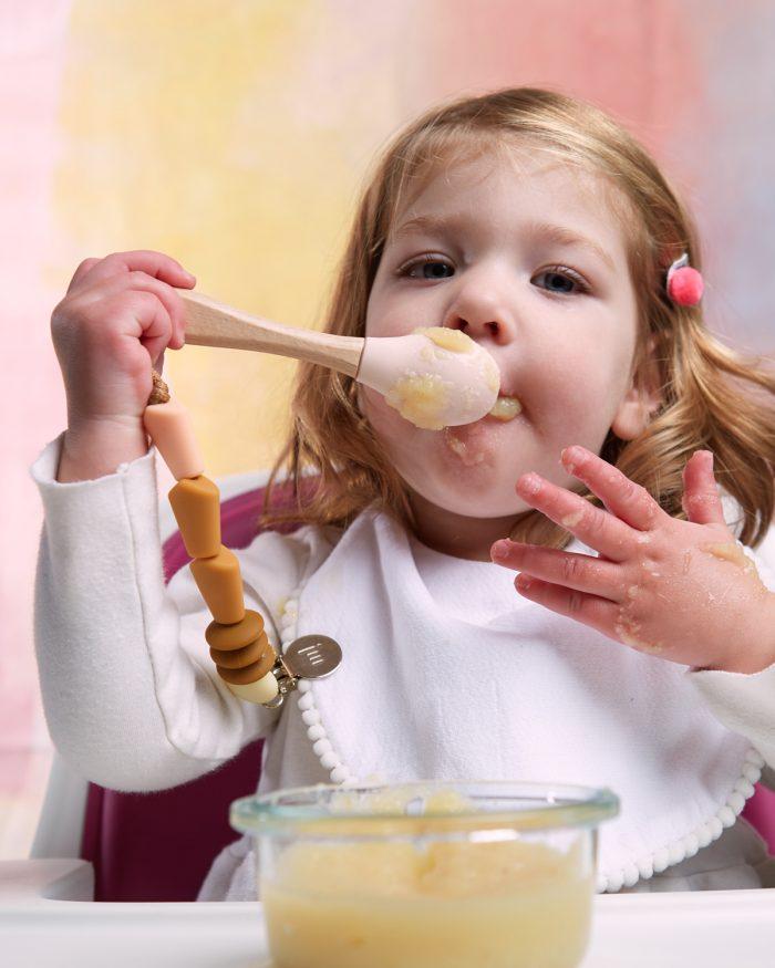 honey feeding lifestyle 2