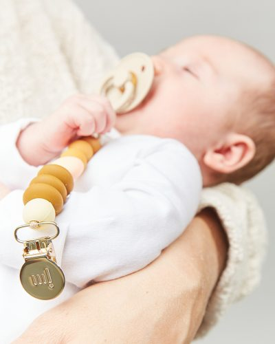 honey mini paci lifestyle 3