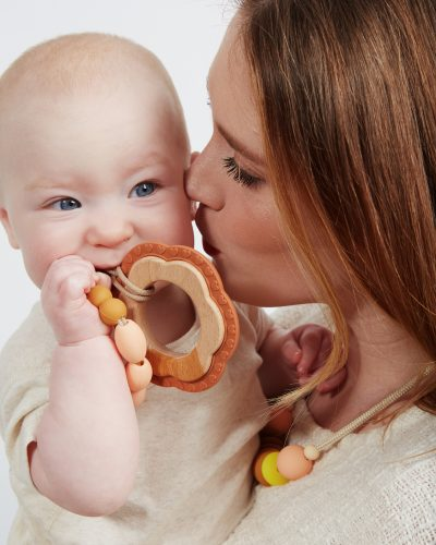 honey teether lifestyle 1 1
