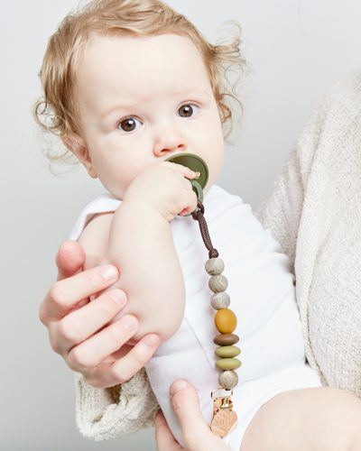 saddle mini pacifier clip lifestyle 2