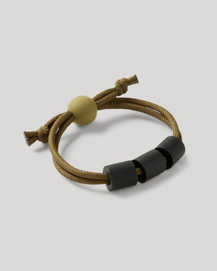 adventure teething bracelet angled